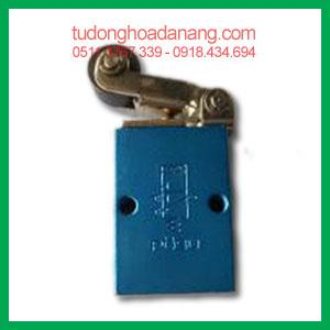 Directional control valve R-3-1/8 long