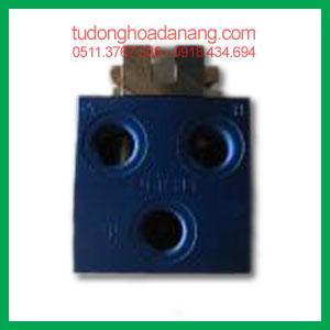 Directional control valve R-4-1/4